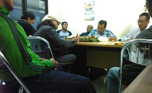 Suasana rapat Tim Kecil Persebaya. (Foto: Boms)