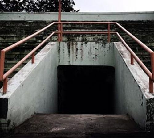 Purwo Gate, di tribun BB, tempat Tomi tewas.