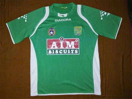 Jersey home versi Liga.